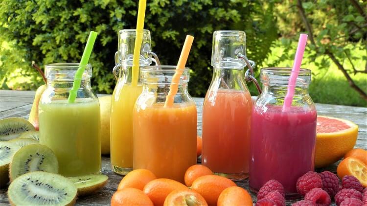 Glasflaschen für leckere Getränke
