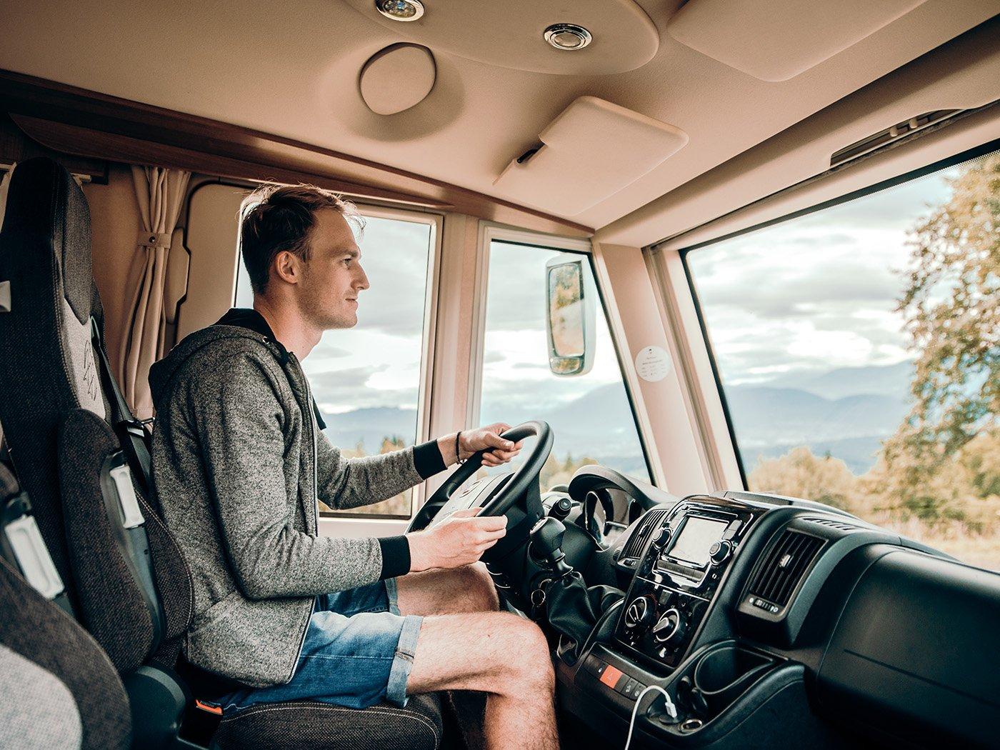 Wohnmobil-Führerschein mit Fahrer