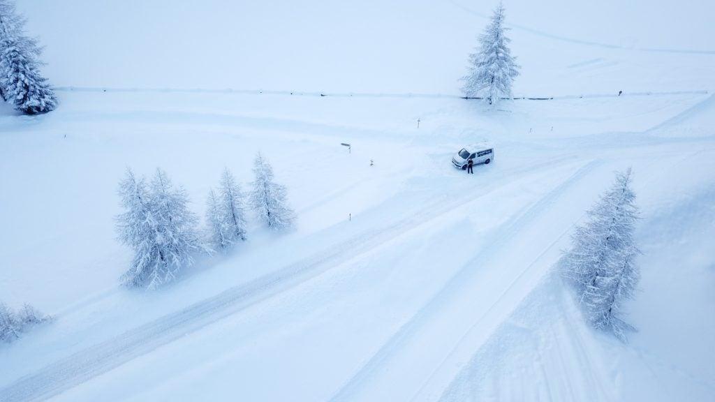 Camper Van VW Bus Schnee