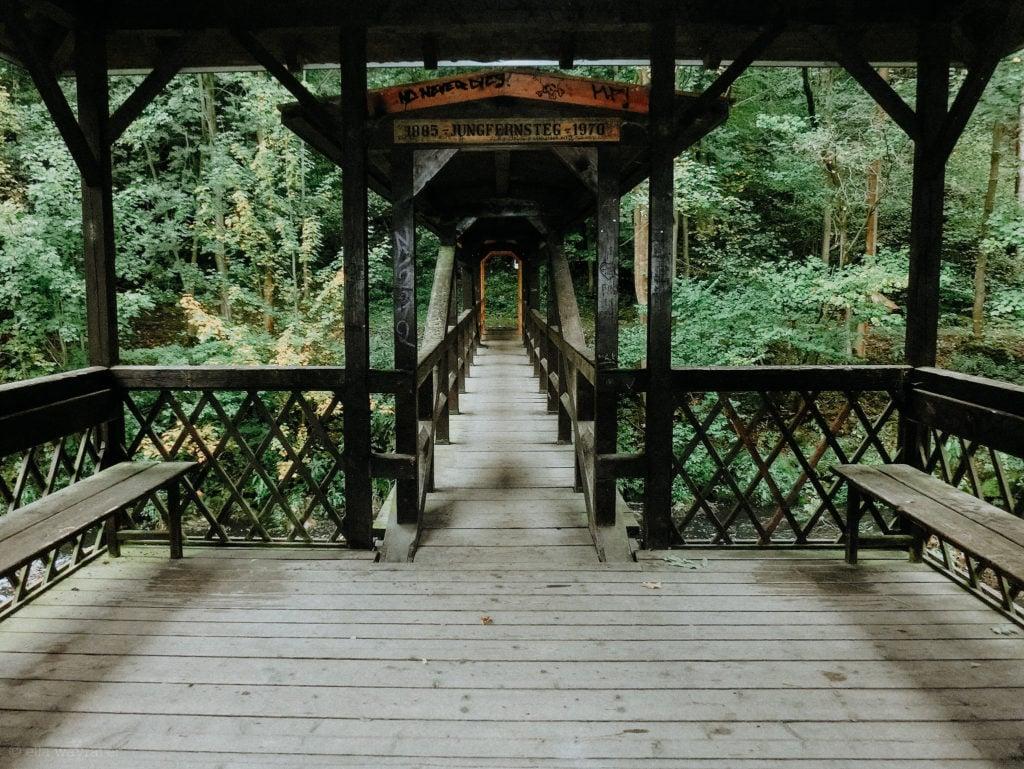 Holzpavillion am Jungfernsteg