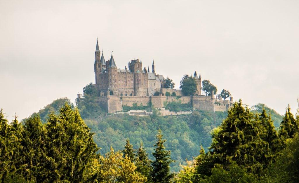 Mittelalterliche Burg Hohenzollern auf Berg