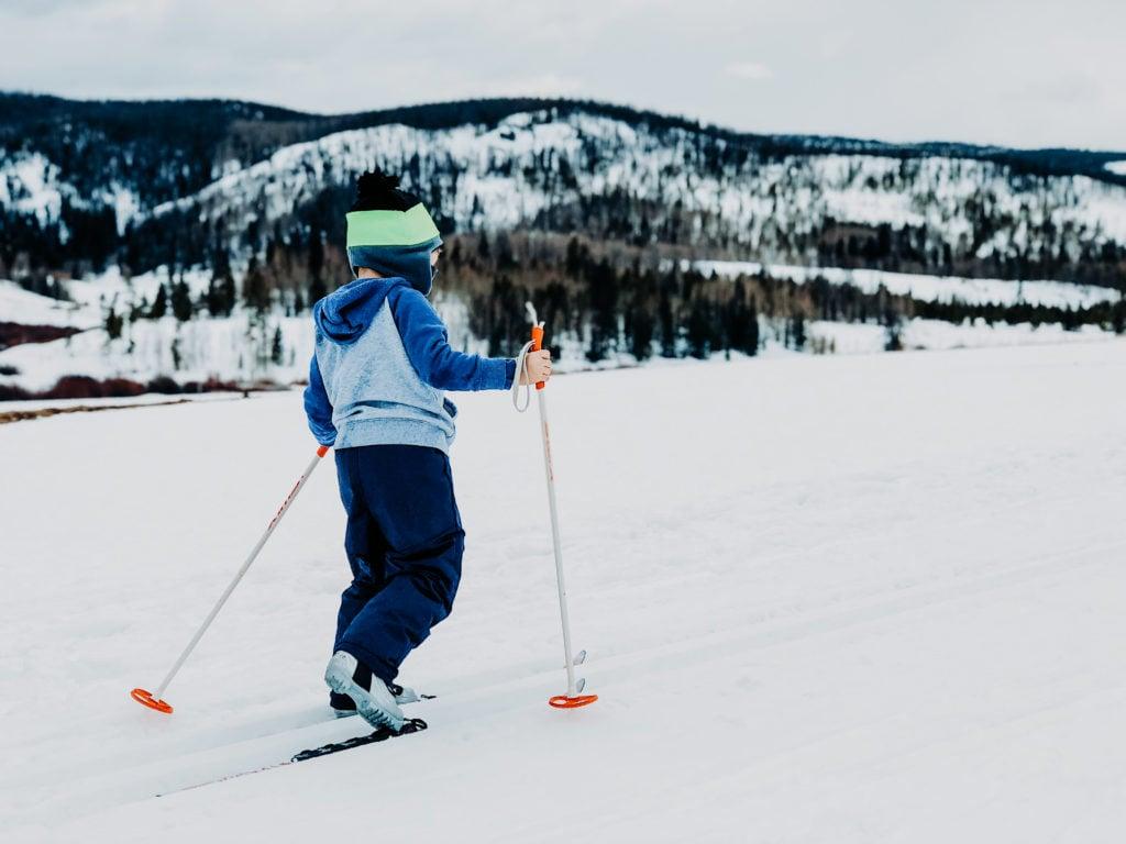Wintercamping Deutschland Kinder Ski-Lauf