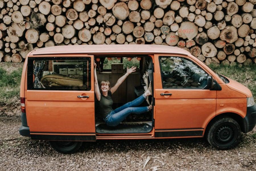 Bild VW T5 ausbauen – ein Schrauberinterview mit Ella