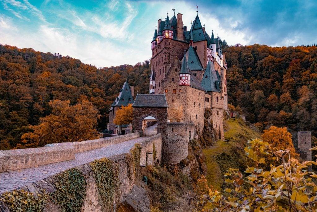 Burgh Eltz in Deutschland im Herbst