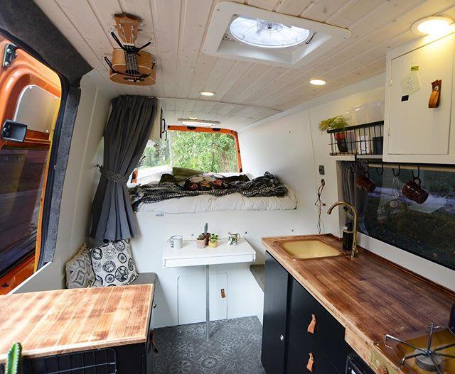 dhl bus omgebouwd tot camper