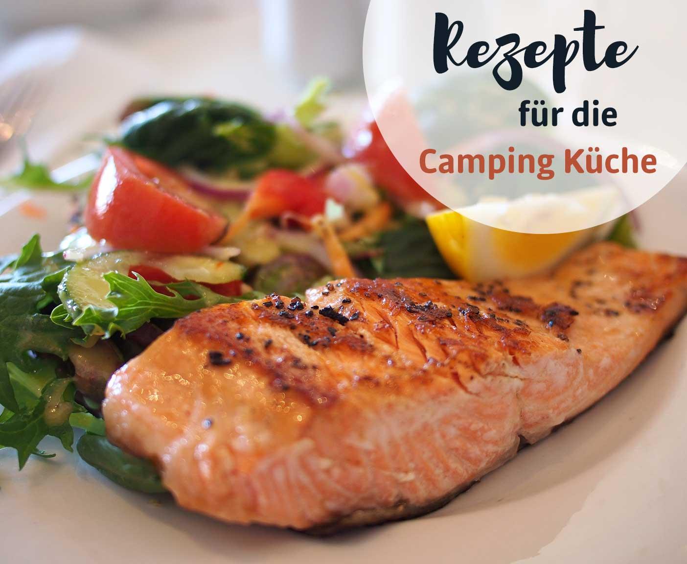 Lachsfilet mit Tomaten, Salat, Zitrone, Packliste Camping mit PaulCamper