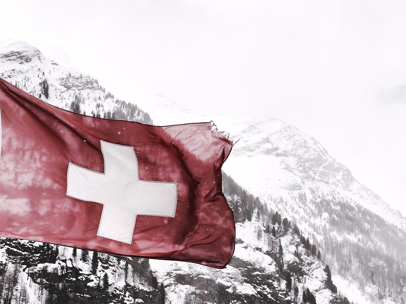 Mautgebuehren Schweiz Flagge Berge Schnee